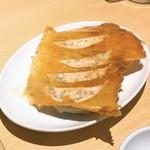餃子酒場 さんくみ - チーズ餃子