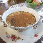 ドリプレ・ローズガーデン カフェ - ランチセットのスープと生ハムサラダ