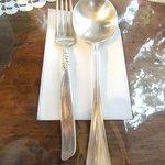 ドリプレ・ローズガーデン カフェ - シルバーや食器類は、アンティーク