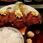 洋食亭 寅安 - 料理写真:特製カニクリームコロッケ定食