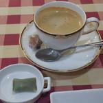 サラマンジェ ド イザシ ワキサカ - コーヒーと茶菓子