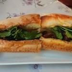 ベトナムレストラン ノンラー - バインミー(豚の方)550円