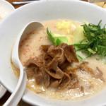 博多 一風堂 - 博多肉そば 990円 (税込) 白ご飯・玉子付き