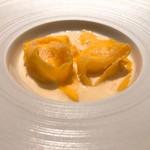 105744925 - ★9スペシャリテ:4種のチーズを合わせたラビオリ