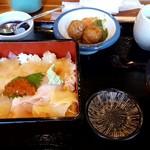 まんぷく亭 かわ村 - 料理写真:特選ヒラメの漬け重