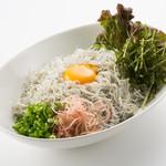 魚太郎・蔵のまちCafe - しらす丼