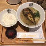 川原町 泉屋 - 「鮎らーめんセット(ごはん、自家製完熟梅干)」1450円