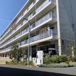 JULES VERNE COFFEE - 高円寺アパートメントの1階にあります