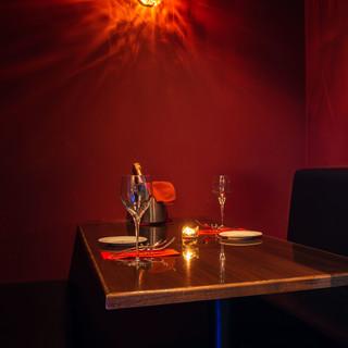 完全個室席あり!非日常空間で贅沢なひとときを心ゆくまで