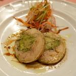 ピッツェリア・サバティーニ - アボガドを詰めた若鶏もも肉のガランティーヌバルサミコソース