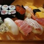 魚がし寿司 - 特上にぎり