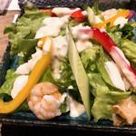 すき焼き炭火居酒屋 北斗 - さっぱりリンゴドレッシングのシーフードサラダ