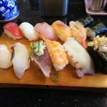 廻る寿司 ぽん太 - 料理写真:満腹ランチ