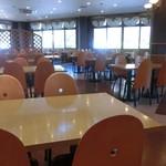 カフェテリアレストラン ワールド -