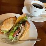 コーヒーハウスぽえむ - カレーツナサンド、フレンチ