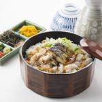 魚太郎 - 炙りとろさばひつまぶし