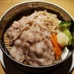 佐貫居酒屋バル 麺's BAR 叶多寿 - 旨味を凝縮、蒸し豚せいろ