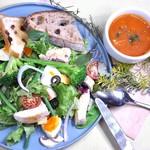 メカジキと季節の野菜のサラダ