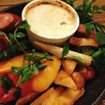 肉バル イノシカチョウ - ベイクドチーズフォンデュ