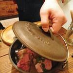 肉バル イノシカチョウ - ダッチオーブン!
