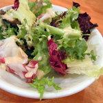 洋食 ノブ - サラダはセルフで