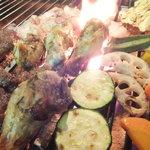源喜 - 料理写真:お肉、野菜、魚炭火で本格的に焼き上げます。