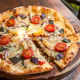 石窯で焼く本格ピザ