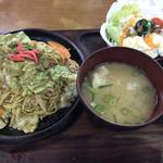 お食事処ふみ - 焼きそば定食(¥780)