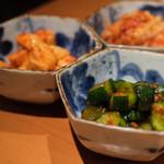 ヤキニクバル 韓の台所 - 手作りオイキムチ、山芋キムチ