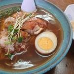 闘牛 - 料理写真:鳥そば&半チャン(写真も半分チャーハン)