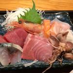 海の台所 大波屋 - 刺身は7種類でどれも新鮮