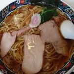 つむら家 - 料理写真:ワンタン麺870円