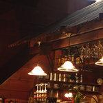 レストラン&カフェ PAO - ログハウス風な店内。