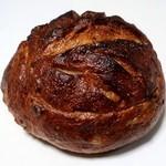 パンドール - 栗とさつま芋小倉のカンパーニュ