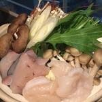 夜景個室居酒屋 伊吹 - 料理写真:焼きアゴ出汁の海鮮寄せ鍋