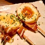 博多串焼き まる - 半熟卵ベーコンエッグ