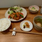 しまうま食堂 - 定食750円