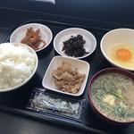 105876954 - 朝定食(400円)