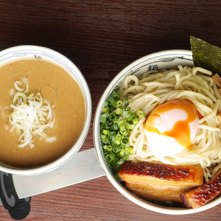 動物系&魚介系のWスープのつけ麺!