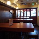 京都ダイナー - 店内(テーブル席)