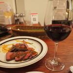 105881197 - 焼き立てローストビーフ & 生樽ワイン(赤)