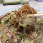 長崎飯店 - パリッとした揚げ具合がとても美味い麺です