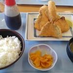 105884884 - ミックスフライ定食