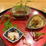 日本料理 太月 - 八寸:春野菜胡麻和え、ホタルイカ、鯛の白子