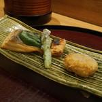 日本料理 太月 - 大船渡さくらます、木の芽味噌、アスパラの天ぷら、蟹真丈天ぷら