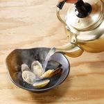 出汁が美味しい貝のやかん蒸し