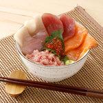 小さい海鮮丼