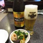 居酒屋 五味 - 料理写真:モルツ瓶ビールとお通し