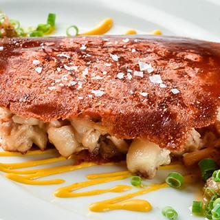 パリッ、トロッな食感の「豚足のホットパテ」もイチ押し!