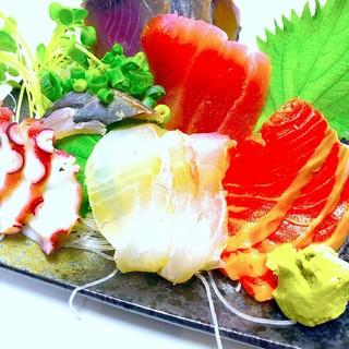 安くて美味しい魚介類は、毎日豊洲市場から!